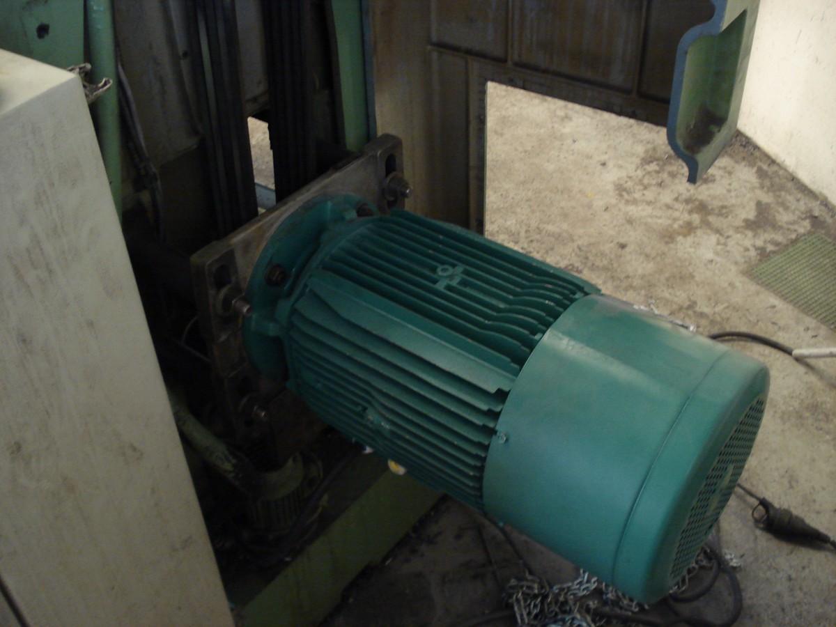 Fraiseuse-conventionelle-G.-DUFOUR-modification-moteur-broche-003